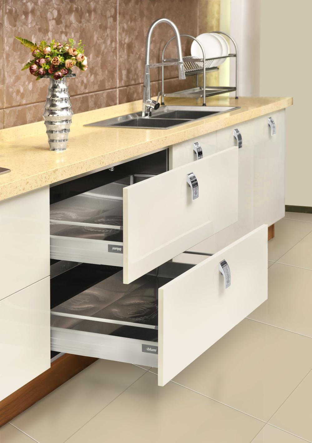Modern Custom Kitchen Cabinet Manufacturer