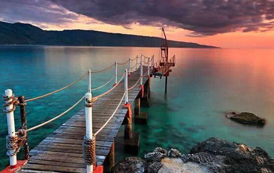 薄荷岛,闯入哈利波特的魔法世界 看点:萌宠眼镜猴,出海看海豚,哈利波