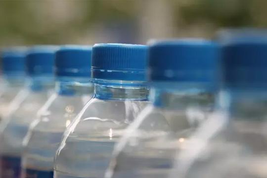 桶装水,矿泉水——不如喝白开水 桶装水,不少人家里或单位
